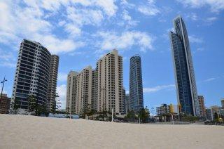Die Hochhäuser von Surfers Paradise