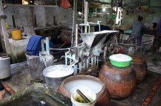 Reisnudelfabrik, hier wird der Reis gepresst