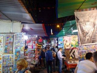 Tempel Street Market