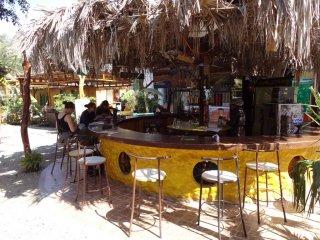 Die Bar im Banana Hostel