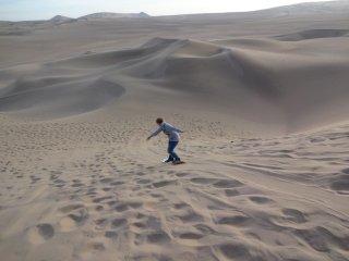 Sandboarding Sara