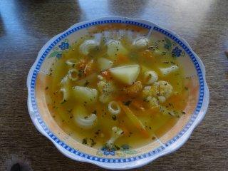 Die Suppe zum Mittagessen