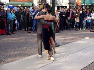 Tango wird auf dem Plaza Dorrego getanzt