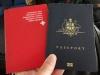 Der Schweizer Pass von Sara wird endlich gegen den Aussie Pass eingetauscht
