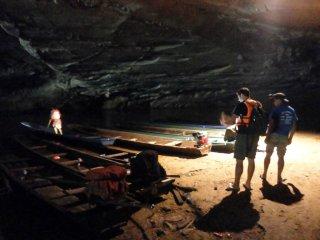 Im Cave zum Boot